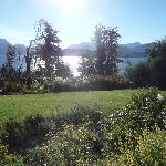 jardin con vista al lago