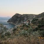 View of Kohili Taverna and the bay from the road