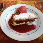 Dessert im Radisson Blu