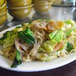 Egg and vegetable noodles