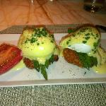 Eggs Benedicts over Crab cakes