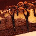 Chocolate Ice-cream Brownie Cake