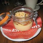 Rhubarb vanilla crumble