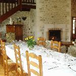 Table d'hôtes dans le salon - Gites et chambres d'hôtes 'è