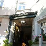 Eingang zum Restaurant Zum Weissen Schwan Weimar