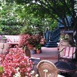 MV courtyard view ...