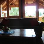 salotto della Suite Mansardata con vista terrazza