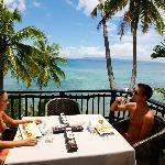 Beach villa bula deck dining