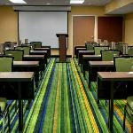 Featuring 2,600 sq ft of flexible meeting space