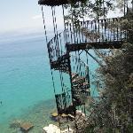 Escalier d'époque qui mene à la plage de Corfou