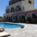 hotellet från poolområdet