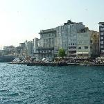 View of Hitel Hettie and (on left) the Galata Bridge.