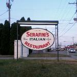 The restaurant sits way back from the road. You really haf ta look for this lil' sign...