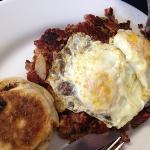 2 eggs w/corned Beef Hash