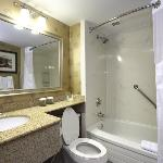 Holiday Inn Express Hotel & Suites Brampton Foto