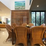Villa 7 Dining interiors