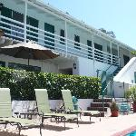 Pool Coast Village Inn
