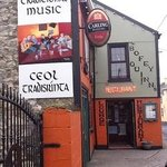 Traditional Music every WEDNESDAY & SATURDAY night all year