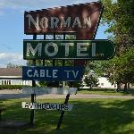 Norman Motel sign