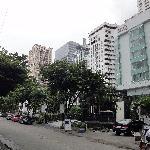 Vor dem Hotel