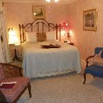 bed in Chantilly Rode room