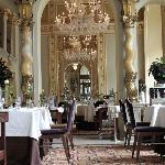 Salon Fine Dining Restaurant Foto