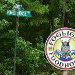 Logo & street sign