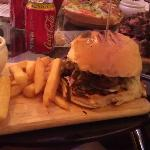 Normal Beef Burger... Possibly with Cheese, can't remember