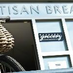 Okanagan Grocery Artisan Breads Foto