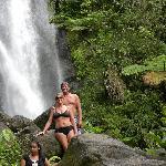 hike up to the bottom of trafalgar falls