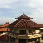 Вид с общего балкона, на которлм всегда приятный освежающий ветер
