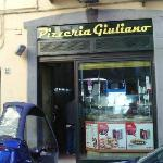 l'entrata della pizzeria