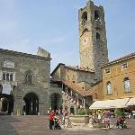 Piazza Vecchia, Citti Alta, Bergamo, Italy
