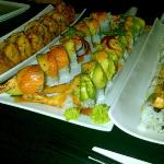 Jina's amazing Dragon Roll Combo in center
