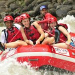 Desafio Adventure Connection from San José to the Arenal Volcano - go rafting on the way!