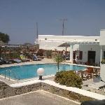 piscina vista dalparcheggio