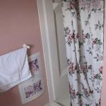 Bathroom needs modernizing. Paper bath mats?