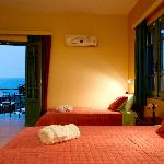 Triple-Quadruple Room with sea view