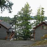 Chinook Shores Lodge: Beach Houses