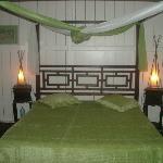 chambre lit baldaquin anis/chocolat
