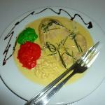 Pechuga de ave al vino en salsa de estragón