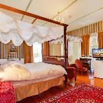 Victoria Honeymoon suite