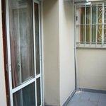 Terracita de la habitacion-appart 211 y ventana con rejas de la habitacion de