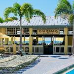Rum Runners Bar & Grille