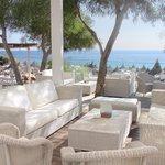 Photo de Grecian Bay Hotel