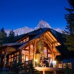 Cathedral Mountain Lodge Exterior