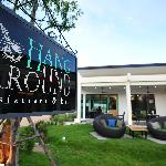Hang Around Restaurant & Bar