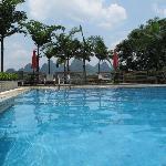 Blick auf Pool & Umgebung