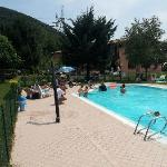 Nur 4 Gäste im Hotel, aber der Pool war immer voll.
