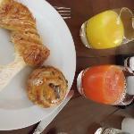 Algo del buffet de desayuno
